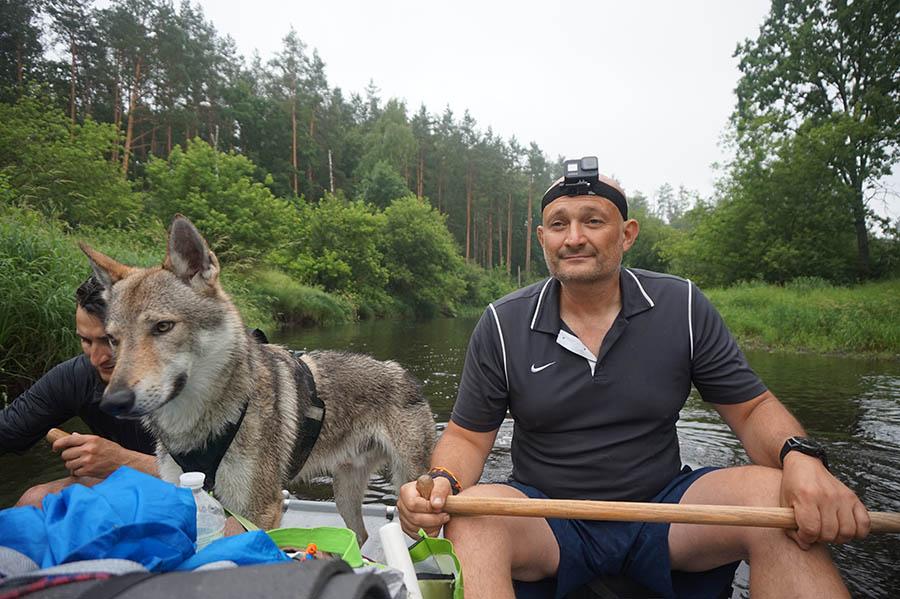 Волк на каяке